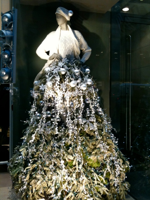 NYC: 5th Ave Store Window