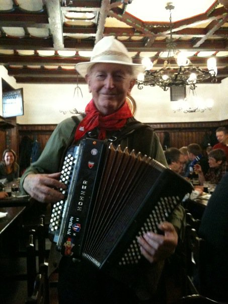 UFlecku Accordion Player