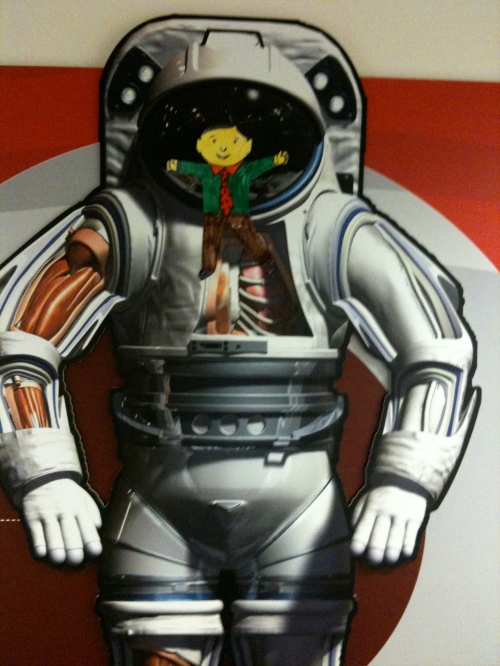 Flat Stanley tries on Mars suit