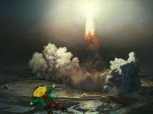 Flat Stanley sees a Space Shuttle launch
