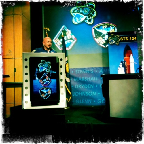 @ShuttleCDRKelly introduces STS-134 + Expedition 26/27 crew @ NASA HQ