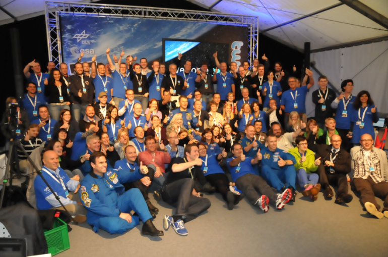 SpaceTweeps Group Portrait with Astronauts. Credit: ESA