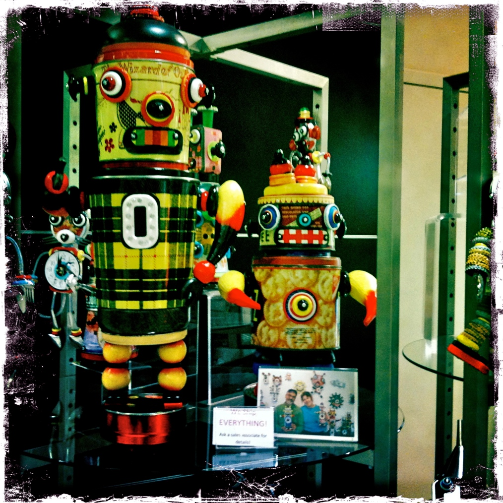 Upcycled waste becomes Robot Art